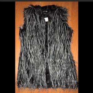 Forever 21 white & black fur vest